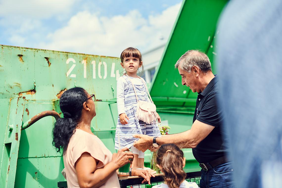 Bei dem Fest eines Familienunternehmens darf auch die jüngste Generation nicht fehlen.