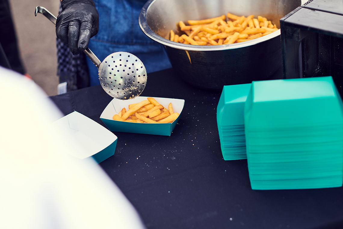 Knusprige Pommes Frites, frisch zubereitet.